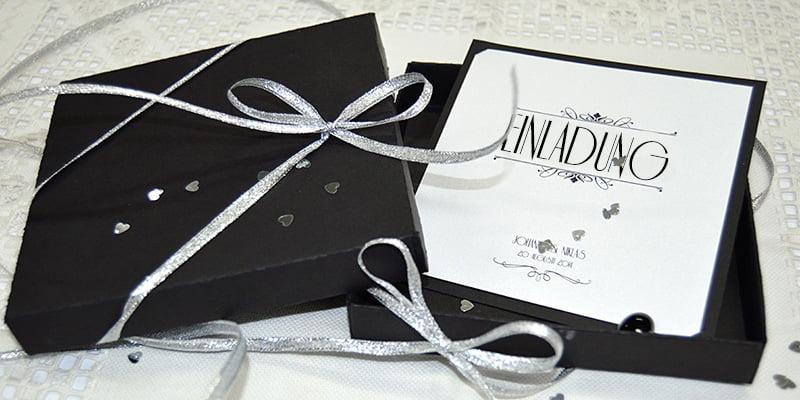 Einladungskarte Silber Hochzeit mit Schwarze Schachtel